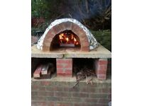 No fees - 3 bed semi-detached house in Fenham with an outdoor pizza clay oven,large gardens & drive