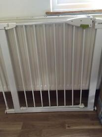 Lindam baby gate with extension part