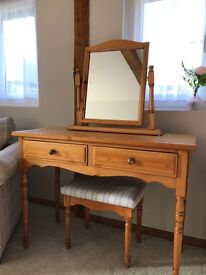 Perfect up cycle project . Dresser with stool and mirror
