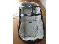 mamas and papas carry cot