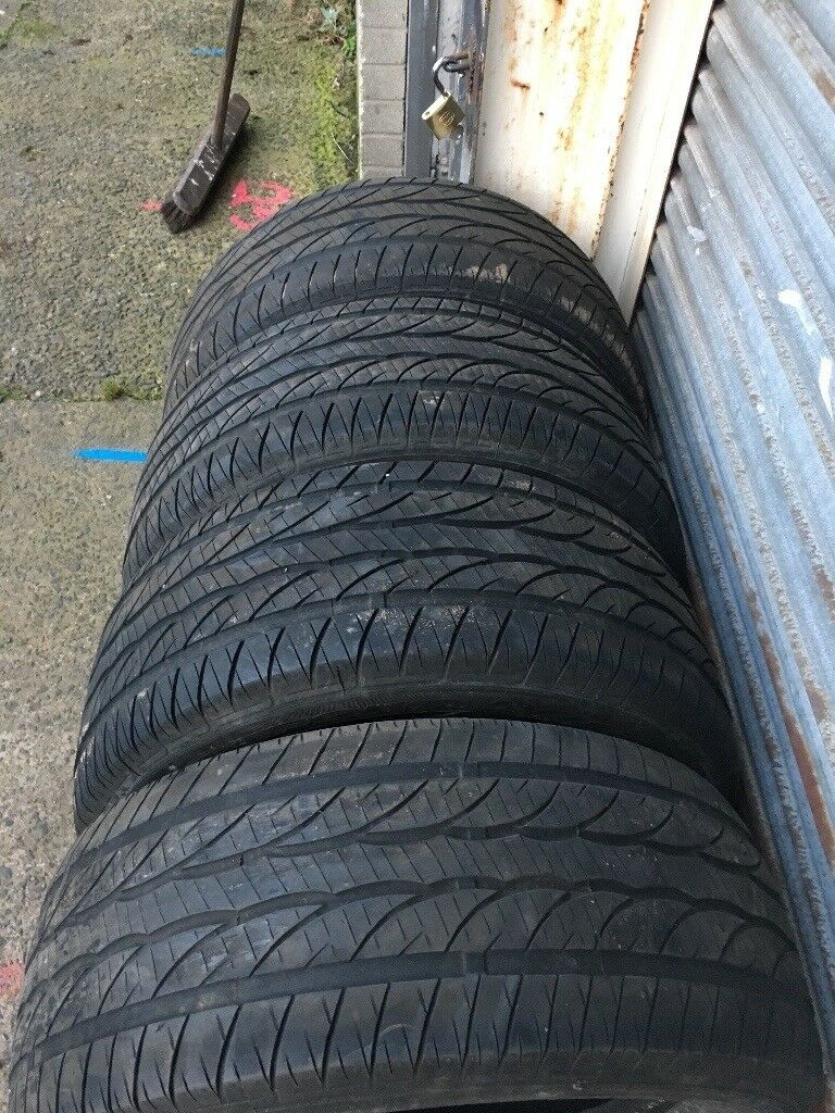 4 Dunlop Jeep tyres
