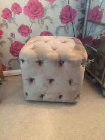 Next Delxue Bedroom Cube/Stool/Chair