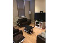 Room to Rent in 5 Bedroom House