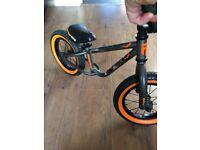 Childs bike balance bike ride on bike £30 mongoose