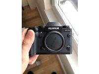 Fujifilm X-T1 Mirrorless Camera Body with Battery Grip