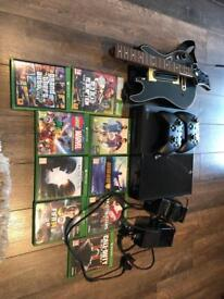 Xbox one, 500gb, 2 controllers, plug and play and 8 games
