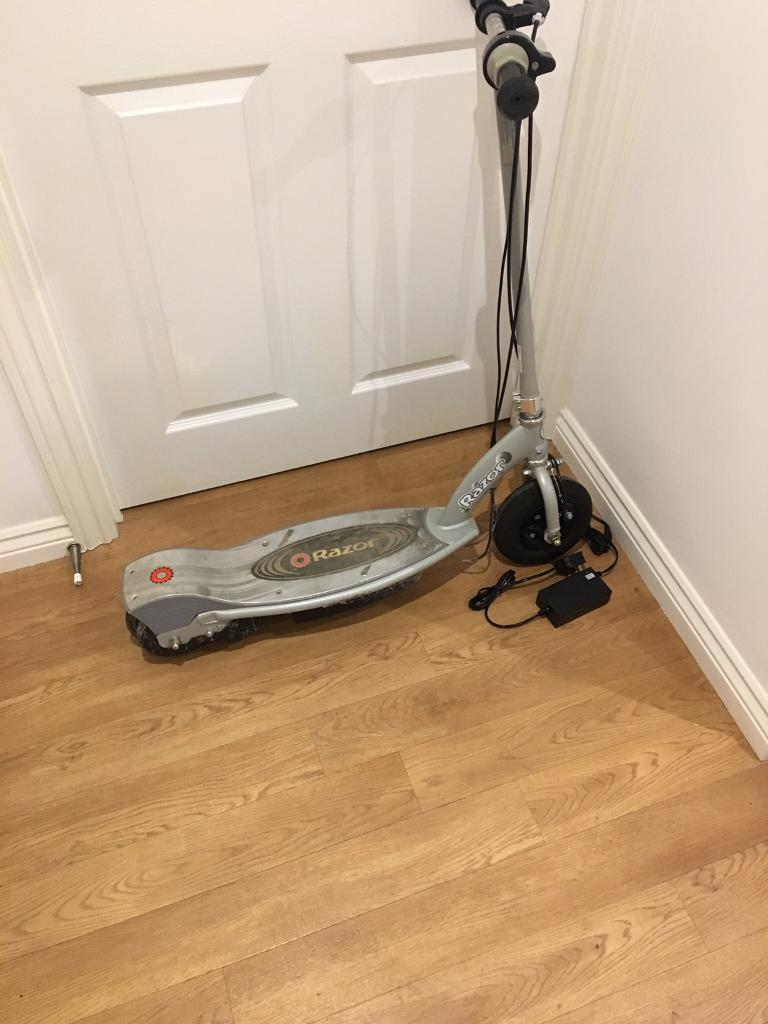 RAZOR E100 electric scooter with new charger