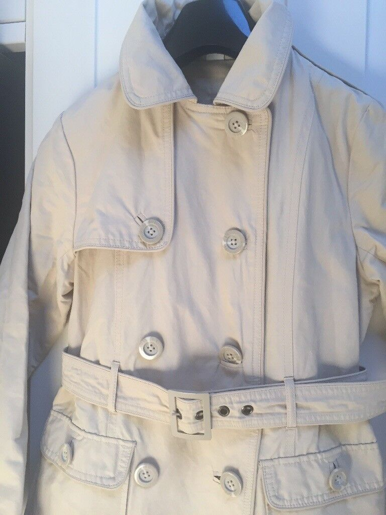 8ef67e1c1304 Beautiful fully lined ZARA trench  coat size 11 12 in mint condition