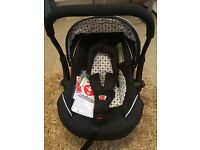 Brand new !! Silver cross car seat , can fit silvercross pushchair
