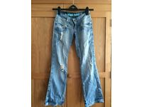 Ladies Ripped jeans. Make: Boyfriend, jeans size 6