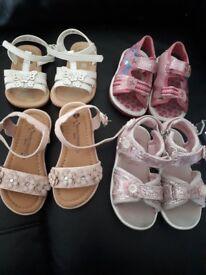 4 pairs of girls sandles