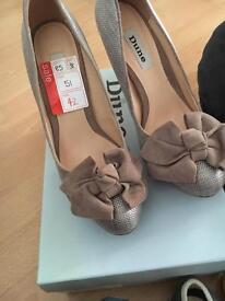 BRAND NEW Dune heels size 5