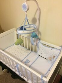 Baby crib / mattress / bedding / mobile