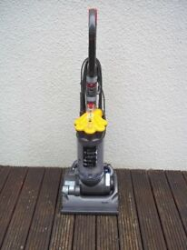 DYSON DC33 ALL FLOORS UPRIGHT BAGLESS VACUUM CLEANER TOOLS NEW MOTOR