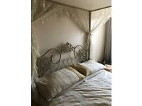 4 Poster Bed shabby chic 4' 6 Double in metal frame