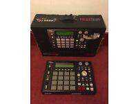 Akai MPC 1000 BK Sampler/Sequencer