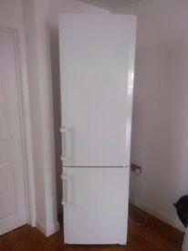 Liebherr comfort biofresh nofrost fridge freezer
