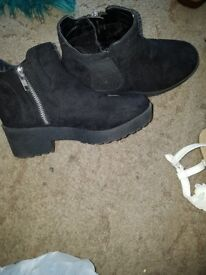 Boots size 2