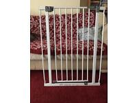 Dreambaby extra tall baby / dog gate pressure fit