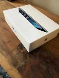 iPad mini 2 32gb with Retina display (Including case)