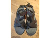 Sandals Traction Flip Flops BNWT Size UK 9.5 - EU 44