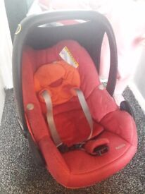 Pink carrycot for quinny modd and maxi cosi car seat