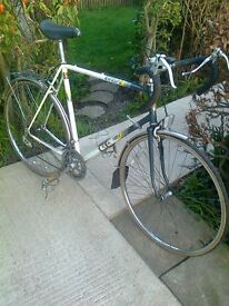 BIKE FOR SALE --- RETRO / VINTAGE RALEIGH ROAD BIKE