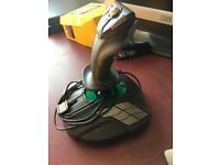 Thrustmaster t16000m joystick left or right handed