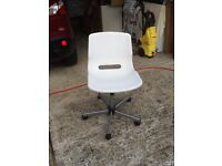 white plastic computer chair
