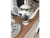 Hendricks tea pot set