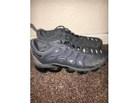 Used vapormax plus size 8.5 (fits a size 9)