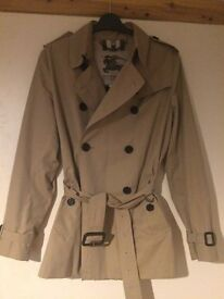 Womens Burberry Trench Coat