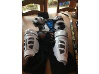 Boys Ice Hockey kit (hardly worn)