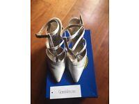 Gianni Versace cream satin evening wedding shoes size 37