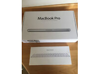 MacBook Pro 13- inch 750 GB 2012 with Wireless APPLE keyboard and speakers