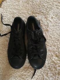 13.5 black children's converse hardly worn