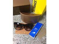 Genuine Brand new Gucci sunglasses - comes with all accessories and original box.