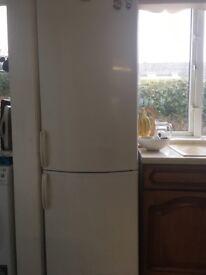 6ft fridge freezer - whirlpool good condition