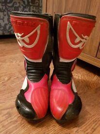 Berik Motor bike boots size 6