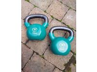 2 x 12kg Fitness Mad Kettlebells, green