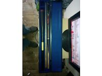 LOOK Good quality Snooker pool cue with extension & Case