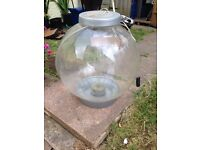 Bio orb fish tank 60 litres with new pump , great for gold fish