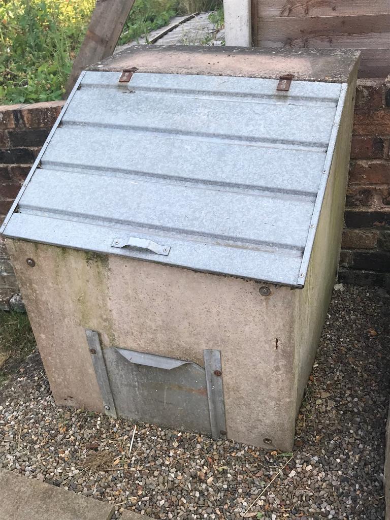 Concrete coal bunker   in Stoke-on-Trent, Staffordshire