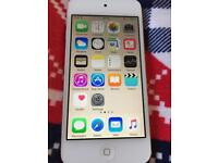 iPod touch 64gb in gold