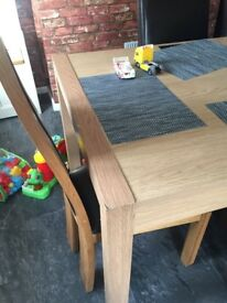 Table and 6 chairs 100 ono