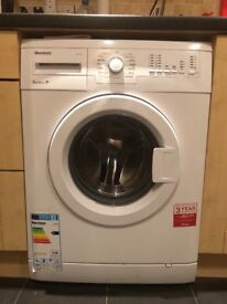 blomberg washing machine , 5kg drum, 4 months old, only selling due to moving and not needing.