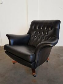 OUTSTANDING RETRO BLACK LEATHERETTE G-PLAN ARMCHAIR VINTAGE GPLAN G PLAN CHAIR DELIVERY AVAILABLE