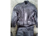 Leather Motorcycle Jacket with D30 armour. Heavyweight quality. Great condition. Size M-L