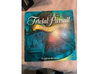 TRIVIAL PURSUIT FAMILY EDITION 2,400 QUESTIONS & ANSWERS