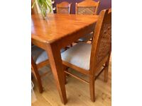 Dining table , 6 chairs and sideboard